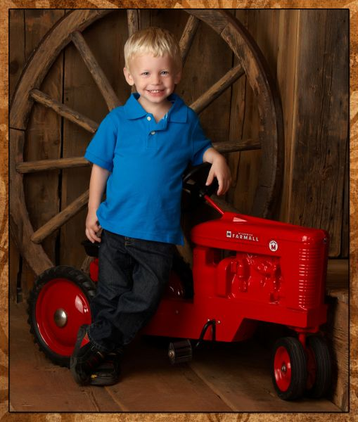 childrens-portraits-Smith-Photography-Stoughton-WI